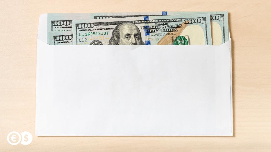 Wysyłka dolarów za granicę