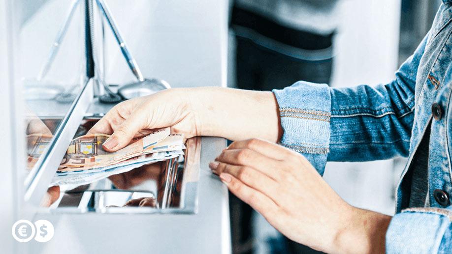 Zagraniczne przekazy piniężne - wpłata gotówki